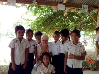 13 Jane with girls 2015 03 19